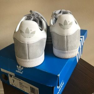 adidas Shoes - Addidas Gazelle